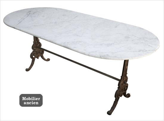 Grande Table En Marbre Blanc